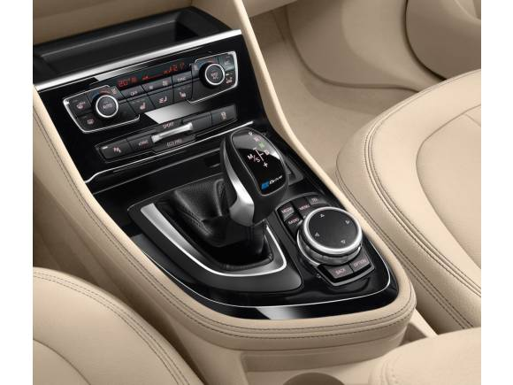 BMW 330e y Serie 2 Active Tourer 225xe: los nuevos híbridos enchufables ya tienen precio
