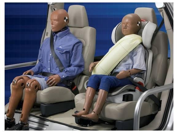 Ford Safety Forum: Probamos el cinturón de seguridad trasero inflable