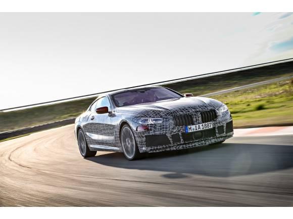 El nuevo BMW Serie 8 sigue su desarrollo en circuito