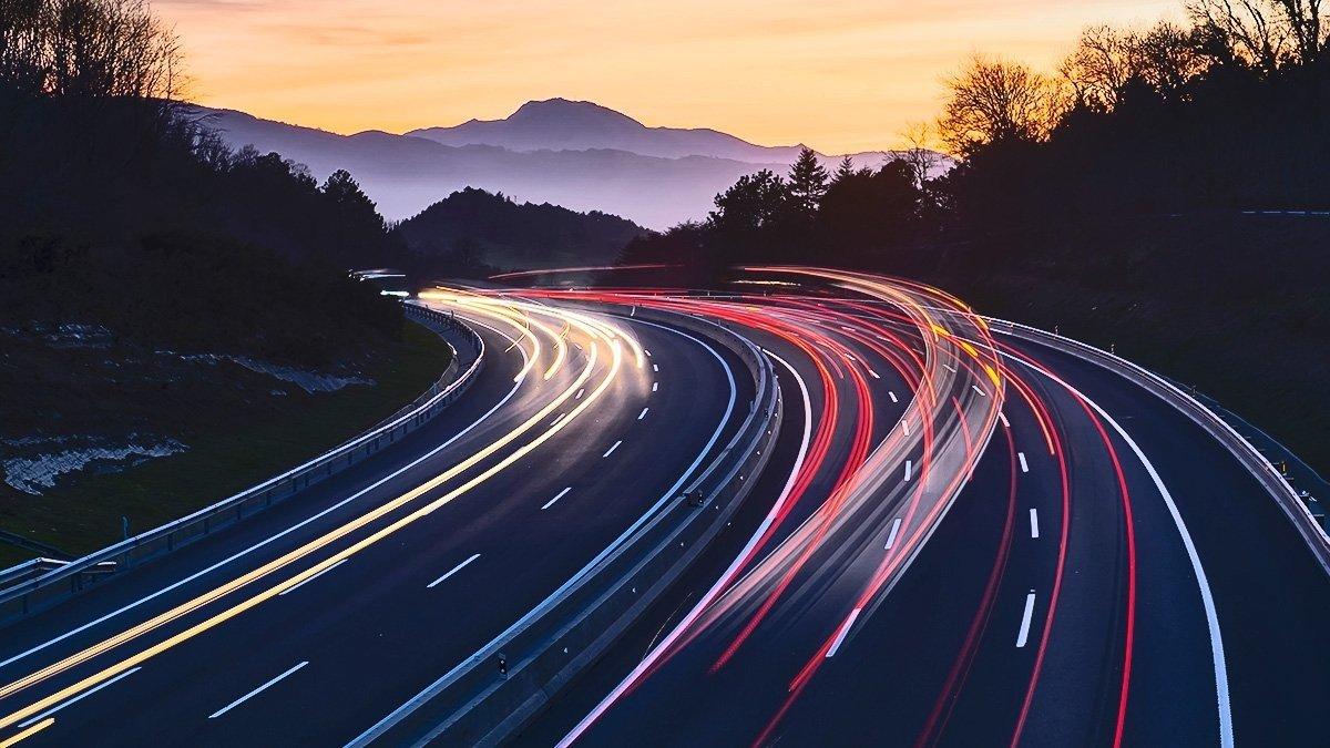 conducir por autopistas