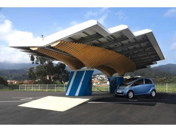 Peugeot diseña la gasolinera eléctrica del futuro