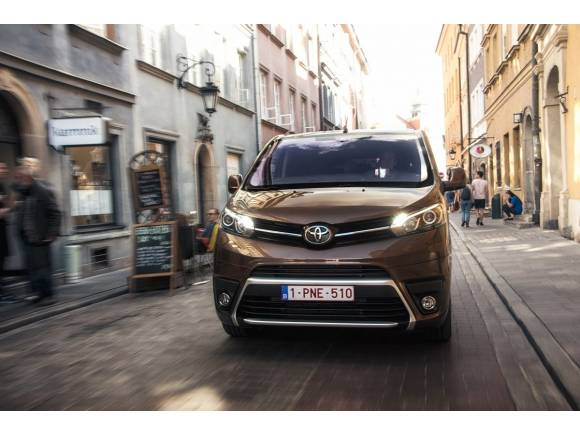 Prueba Toyota Proace Verso, la versión de pasajeros ya está aquí