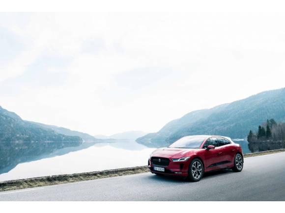 Nace la primera estación inalámbrica para taxis eléctricos en Noruega con Jaguar I-PACE