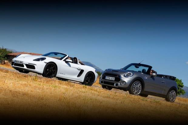 Vídeo: descapotables en acción - Porsche Boxster y Mini Cabrio