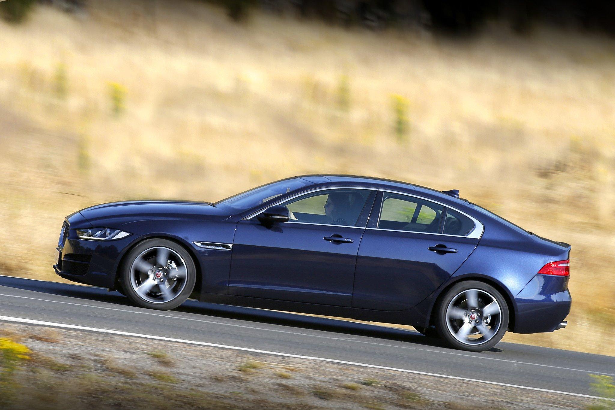 Jaguar XE 2.0d 180 CV