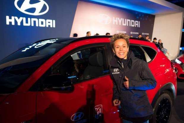 Hyundai entrega al Atlético de Madrid masculino y femenino sus nuevos coches