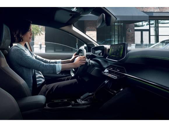 Conducir un coche eléctrico: 8 claves que debes saber