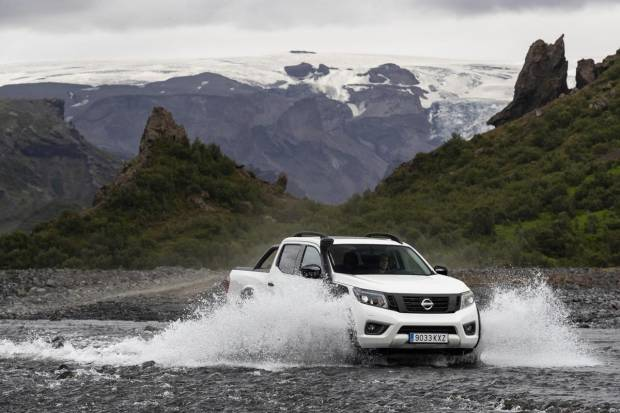 Nissan actualiza el Navara OFF-ROADER AT32: su pick-up más extremo