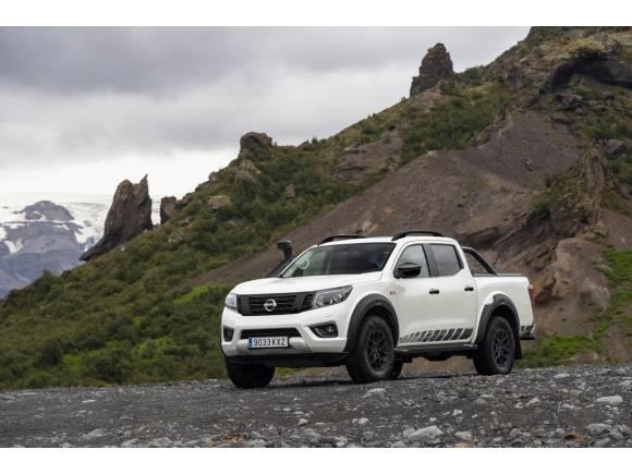 Nissan actualiza el Navara OFF-ROADER AT32: su pick-up más extremo