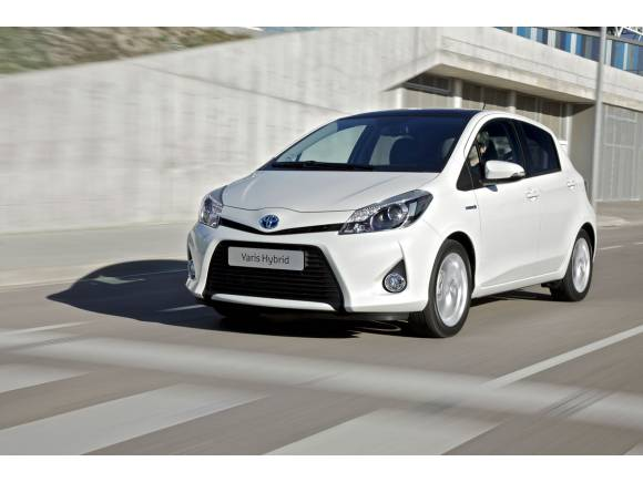 Pros y contras de comprarte un coche híbrido