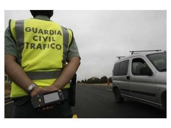 ¿Qué hacer si la policía o guardia civil me para en un control de tráfico?