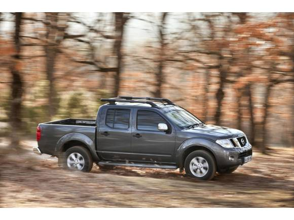 El Nissan Navara mejora su equipamiento para 2015