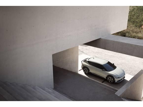 Kia EV6: desveladas las primeras imágenes exteriores e interiores