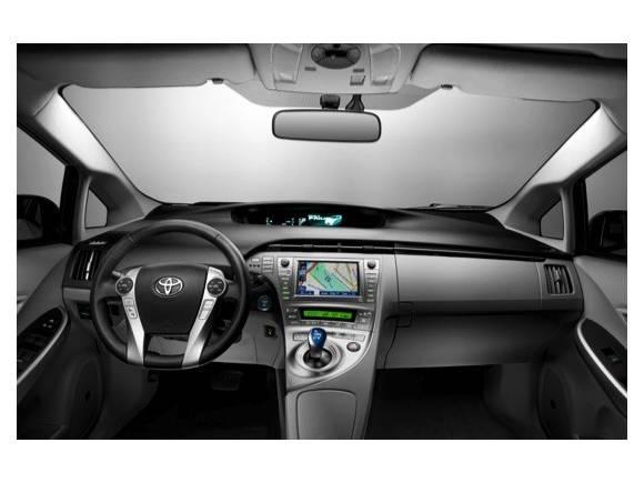 Nuevo Toyota Prius 2012: mejoras estéticas y de equipamiento.