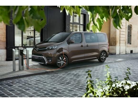 Nueva versión eléctrica para el Toyota Proace Verso