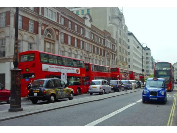 Conducción restringida en ciudad