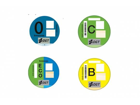 La DGT clasificará con pegatinas a los vehículos menos contaminantes