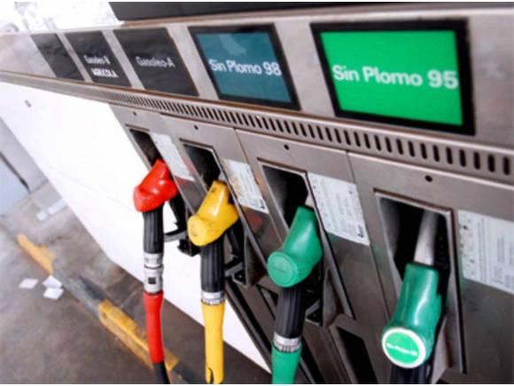 Expertos proponen subir impuestos a coches diésel y el gasoil un 28%