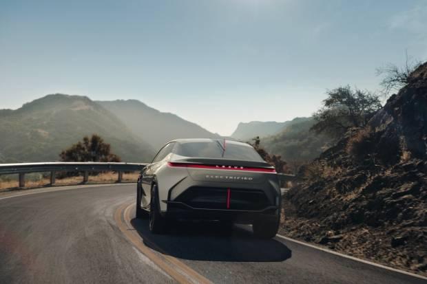 Lexus lanzará un nuevo eléctrico en 2022 y su primer enchufable este 2021