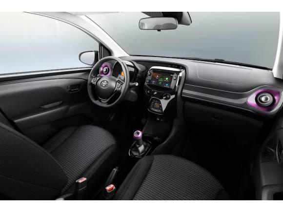 Toyota Aygo x-style: nueva edición especial en magenta