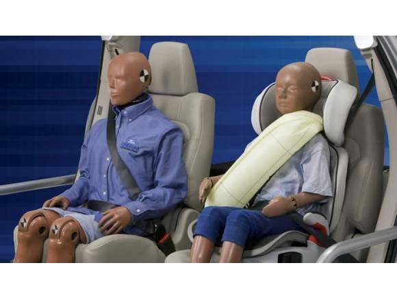 Ford se atreve con el primer airbag de cinturón.