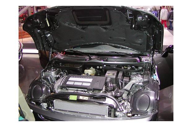 Si quieres lo mejor para tu coche, no lo dudes: el aceite sintético es de mayor calidad