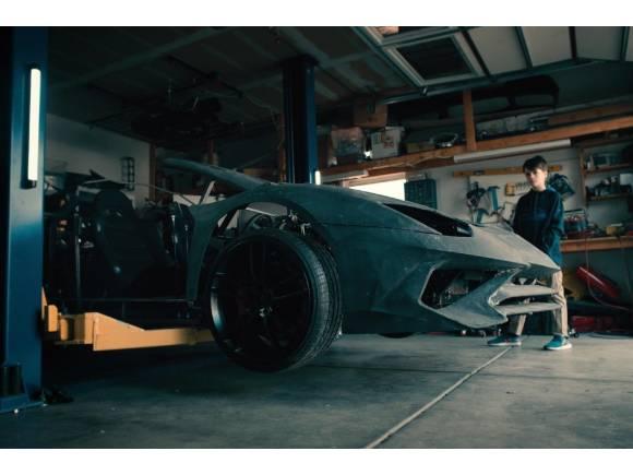 Vídeo: un Lamborghini Aventador SV por Navidad
