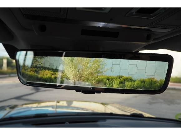 Prueba y opinión del Land Rover Defender P300: el todoterreno se refina