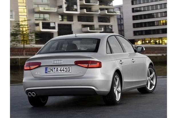 Sólo los pilotos traseros cambian en la parte trasera del nuevo Audi A4.