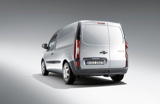 En el lateral y en la parte trasera es donde más se parece al Renault Kangoo.