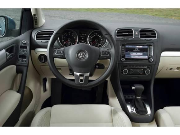 Dudo entre un VW Golf TDI y un Mazda 3 CTRD