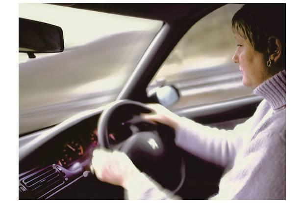 Carnet de conducir caducado, ¿tengo que examinarme de nuevo?