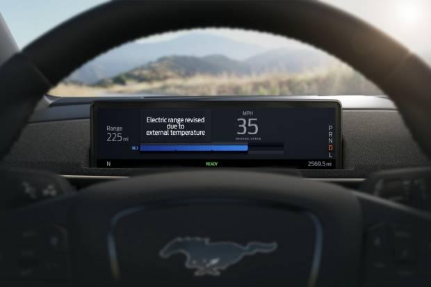Autonomía Inteligente del Ford Mustang Mach-E: precisión gracias a la nube