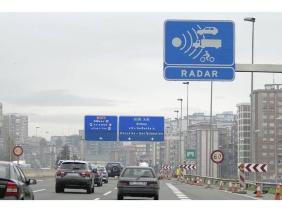 ¿A qué velocidad multan los radares?
