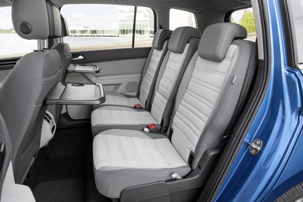 nuevo volkswagen touran 2016 gama y precios del golf de 7 plazas. Black Bedroom Furniture Sets. Home Design Ideas