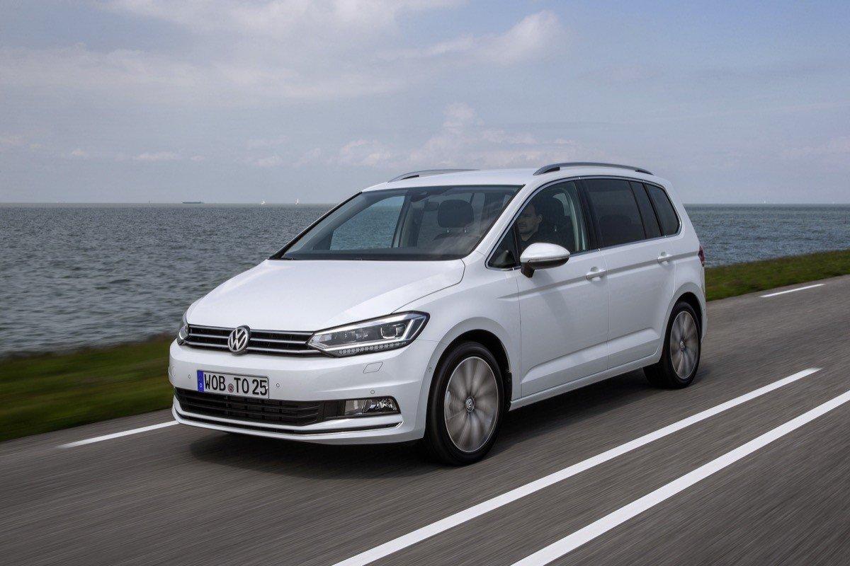Volkswagen Toruan 2016
