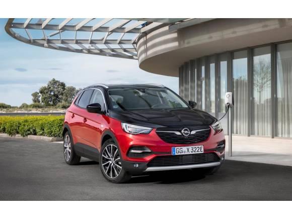 Opel Grandland X Hybrid4, enchufable, 4x4 y 300 CV