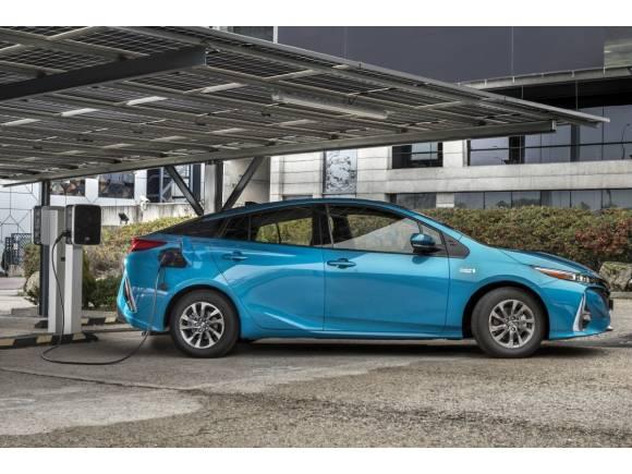 Nuevo Toyota Prius Plug-In: el híbrido enchufable con placas solares