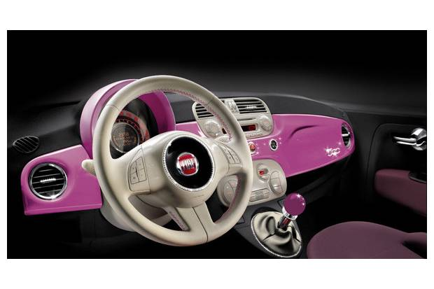Vídeo del Fiat 500 Pink en homenaje a Barbie