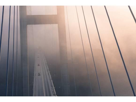 Seis cosas que no debes hacer cuando toca conducir con niebla