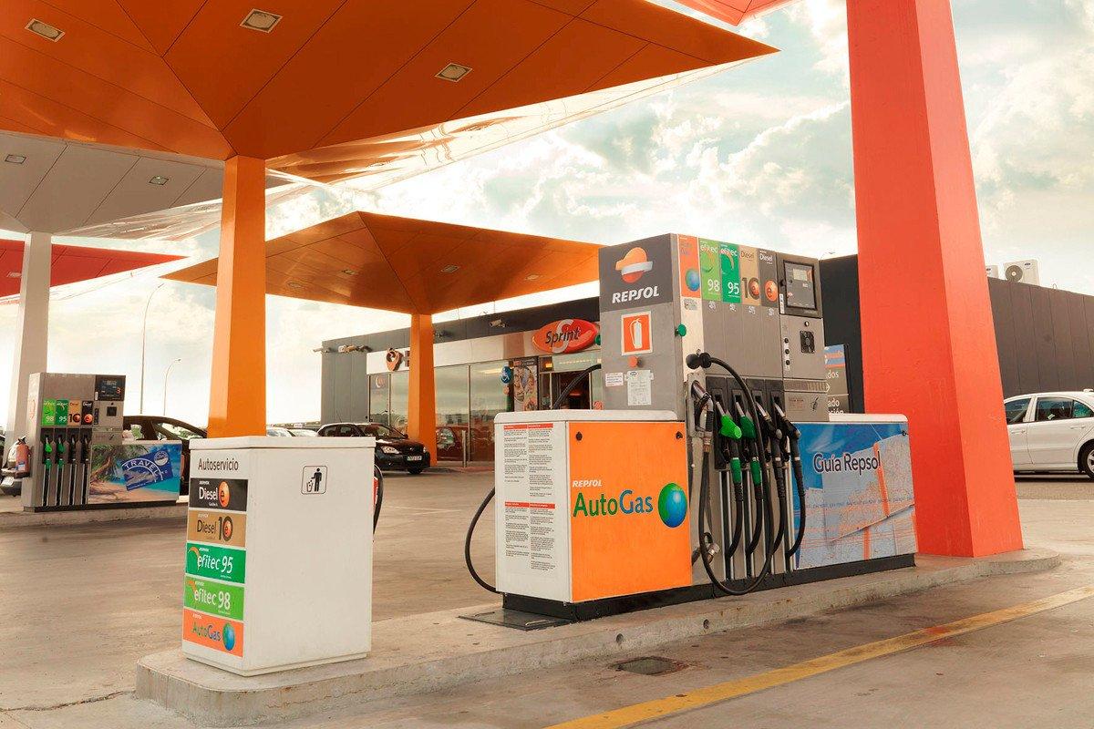 Dzhetta 6 que la gasolina inundar en