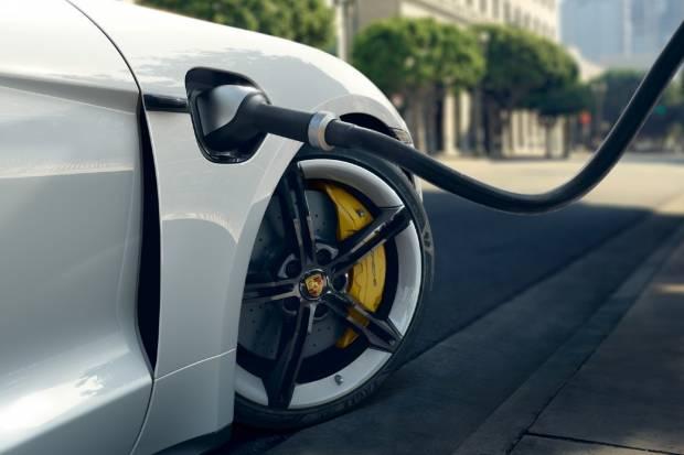 Ferrari, McLaren,...  las marcas de superdeportivos, escépticas con el coche eléctrico